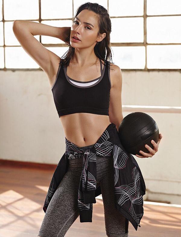 Để giảm 6 kg mỡ thừa, Gal Gadot dành 6 tiếng tập luyện mỗi ngày.