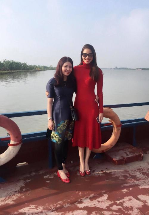 pham-huong-livestream-chia-se-ve-vai-dien-trong-phim-ngan-moi-2