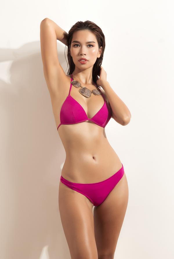 ha-anh-khoe-vong-eo-58cm-voi-bikini-2