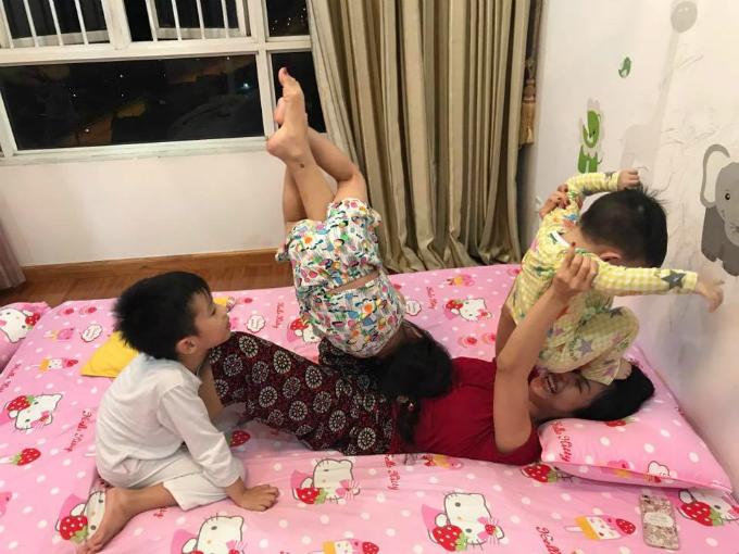 Ốc Thanh Vân bật mí hình ảnh đời thường. Cô chia sẻ: Đừng hỏi sao tui đầy cơ. Tối nào cũng tập thể hình mà.