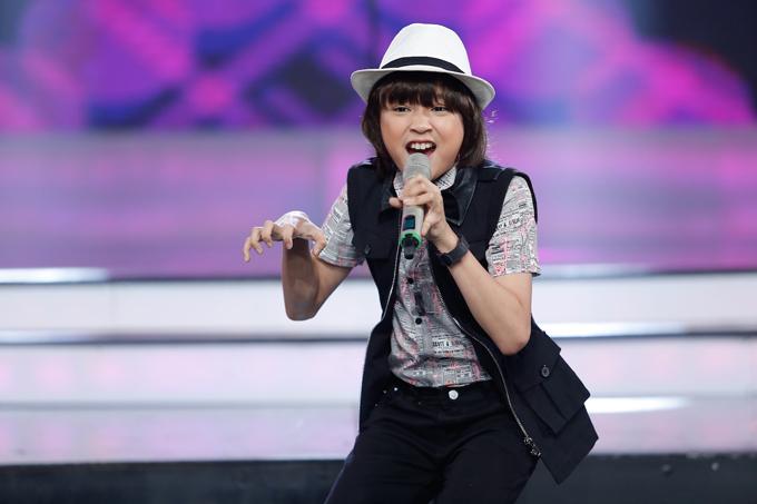 co-be-khiem-thi-duoc-vi-nhu-thien-than-duoc-gui-den-vietnam-idol-kids-11
