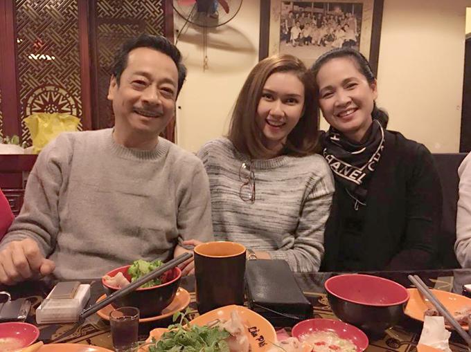 huong-giang-tung-bi-chui-te-tua-khi-dong-song-chung-voi-me-chong-10