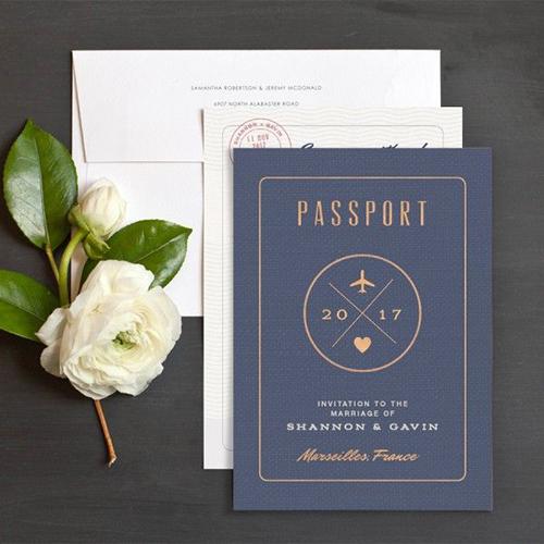 thiep-cuoi-passport-khong-dung-hang-cho-cap-doi-yeu-du-lich-9