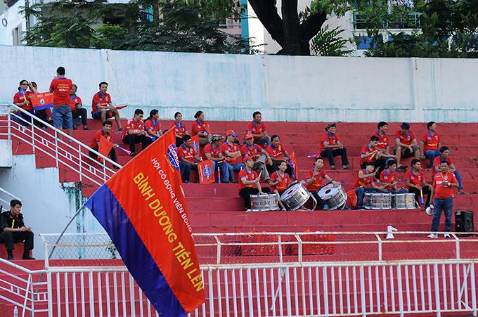 san-thong-nhat-vang-hoe-tran-sai-gon-thua-nguoc-chelsea-viet-nam-1