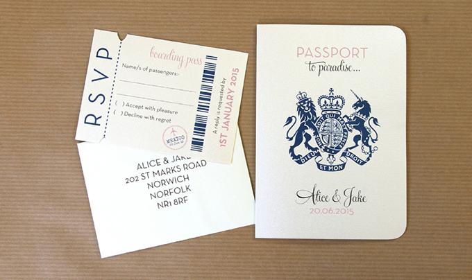 thiep-cuoi-passport-khong-dung-hang-cho-cap-doi-yeu-du-lich-3