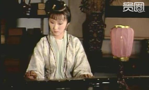 Trần Hiểu Húc dựa vào tài tình của mình dành được vai Lâm Đại Ngọc, trở thành Lâm Muội hình mẫu trong lòng bao thế hệ khán giả