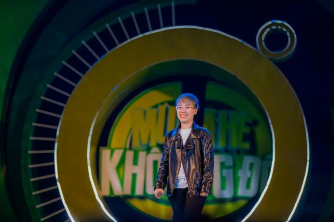 Kai Đinh đem đến hai bản hit Điều buồn nhất và Phải có em. Nhạc sĩ trẻ cũng thể hiện single mới nhất mang tên Bae - thử nghiệm mới mang màu sắc tropical, có tiết tấu nhanh, mạnh.