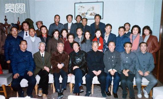 30-nam-hong-lau-mong-nhung-chuyen-chua-ke