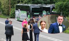 Sao MU dùng xe bus của đội chở người thân trong đám cưới