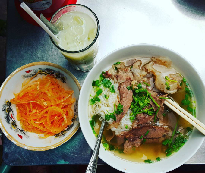 6-quan-an-dat-nhung-duoi-khong-het-khach-o-sai-gon-4