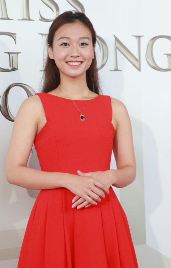 nhan-sac-thi-sinh-vong-so-khao-miss-hong-kong-khien-khan-gia-phat-hoang-7