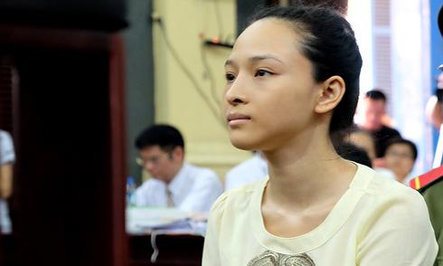 Hoa hậu Phương Nga không trả lời Viện Kiểm sát vì không tin tưởng