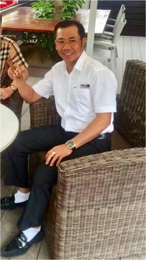 Chân dung bạn trai Hoa hậu Xuân Mỹ- Chủ tịch HĐQT kiêm Tổng giám đốc công ty XNK Văn Hải, chuyên kinh doanh, xây dựng và bất động sản, đồng thời nhập khẩu, mua bán các loại ô tô cao cấp. Anh là nhân vật có tiếng trong giới bất động sản, anh là một công dân quốc tịch Mỹ. Hiện, anh đang sở hữu nhiều siêu xe như Roll- Royce, Bently& Mới đây, anh đã chi 80 tỉ đồng mua siêu xe Bugatti, dự kiến sẽ về Việt Nam vào cuối tháng 10.