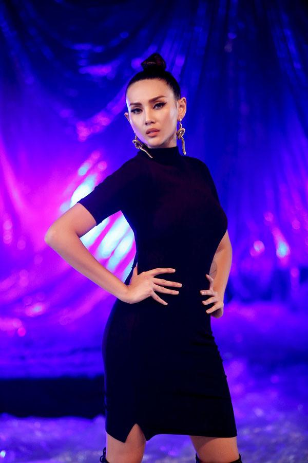 Võ Hoàng Yến thừa chịu khá nhiều áp lực khi đảm nhận vai trò thành viên ban giám khảo, tuy nhiên người đẹp khẳng định, chắc chắn cô sẽ không mờ nhạt như ở các chương trình trước.