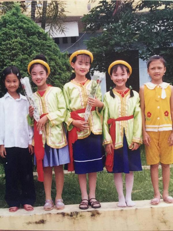 nhan-sac-tu-be-den-lon-cua-bao-thanh-song-chung-voi-me-chong-5