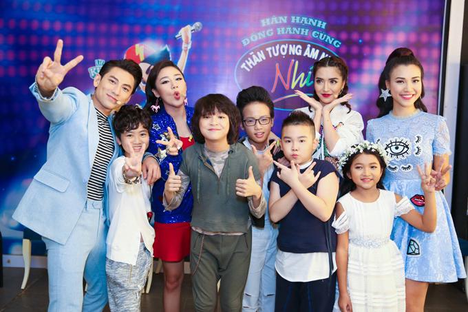 van-mai-huong-rom-rom-nuoc-mat-khi-chia-tay-hoc-tro-idol-kids-10