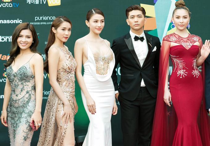 tim-phat-bieu-bang-tieng-anh-tai-le-trao-giai-asia-model-festival-2017-6