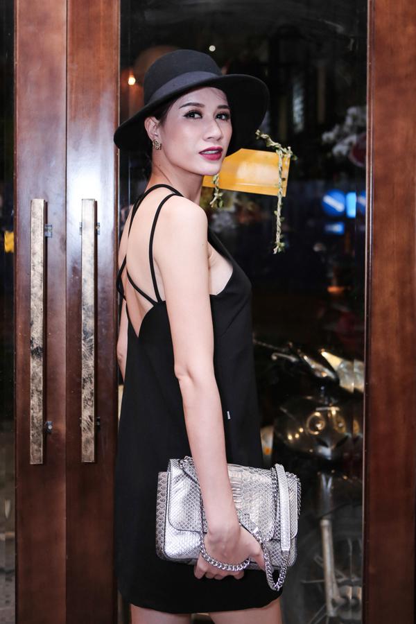 Trang Trần dù bận rộn kinh doanh vẫn đến ủng hộ người anh mà cô từng có dịp làm việc cùng từ khi mới Nam tiến.