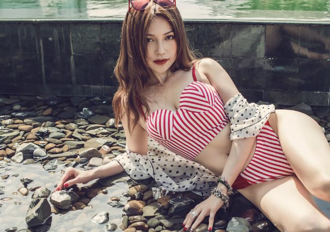 si-thanh-khoe-dang-sexy-khi-dien-bikini-6