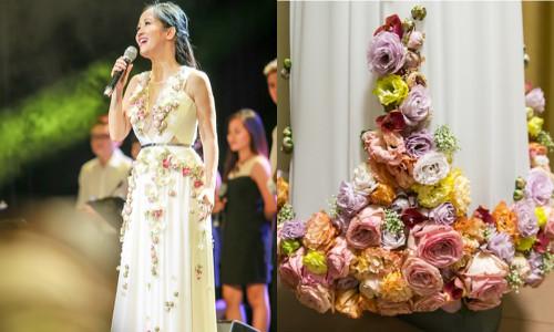 Cận cảnh chiếc váy đính hoa tươi độc đáo của Hồng Nhung