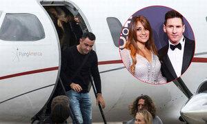 Bầu đoàn thê tử vui như hội, đi chuyên cơ đến đám cưới Messi