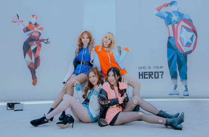 nhom-s-girls-dong-loat-khoe-chan-dai-trong-mv-moi-2