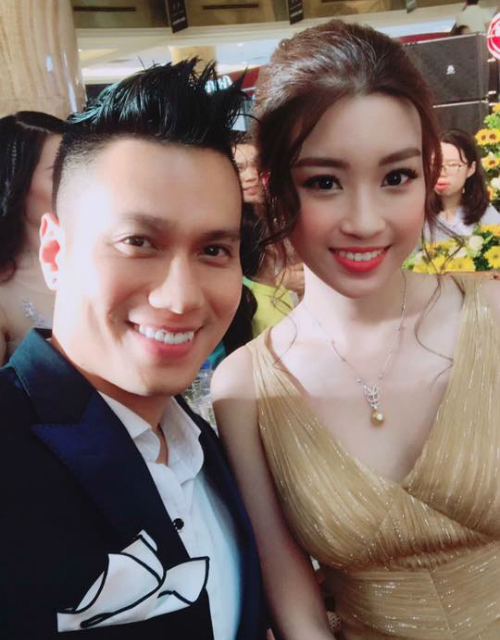 Hoa hậu Mỹ Linh chia sẻ ảnh chụp cùng diễn viên Việt Anh và hài hước viết: Chuẩn bị đầu quân về Phan Thị, Sếp Hải có nhận không ạ.