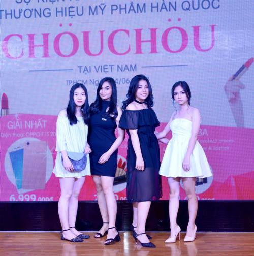 dan-beauty-blogger-du-su-kienra-mat-my-phm-chou-chou-6
