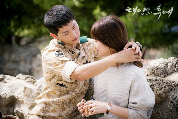 song-hye-kyo-va-song-joong-ki-viet-tam-thu-cho-fan-chia-se-chuyen-tinh-yeu-1