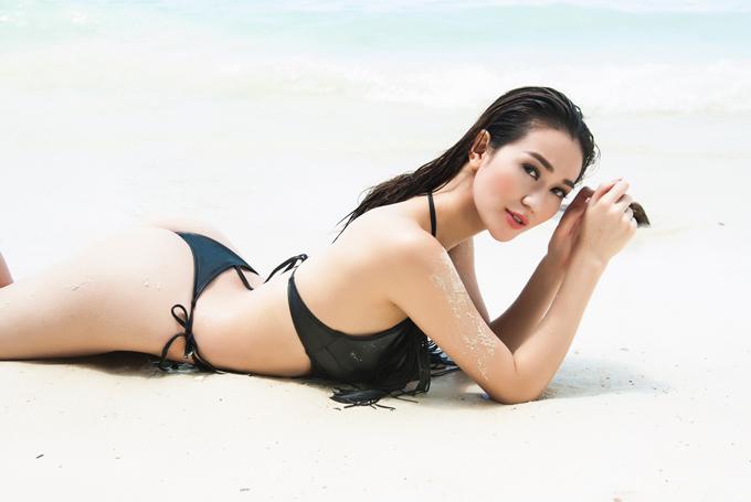 khanh-my-khoe-dang-nong-bong-ben-bo-bien-thai-lan-4