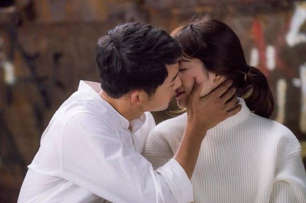 bo-song-joong-ki-chuyen-hai-dua-chenh-lech-tuoi-tac-khong-quan-trong-1