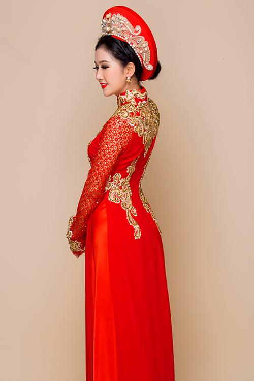 Bộ ảnh được thực hiện bởi nhà thiết kế Đặng Trọng Minh Châu, trang điểm và làm tóc Hùng Việt, photo Bảo Lê.