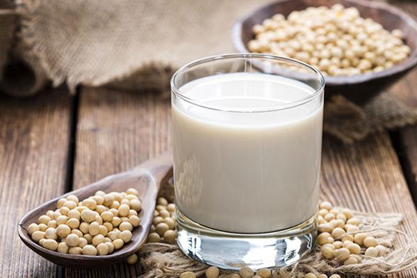 Đậu nành là nguồn protein khá hoàn chỉnh, cung cấp tất cả 9 a xít amin thiết yếu.