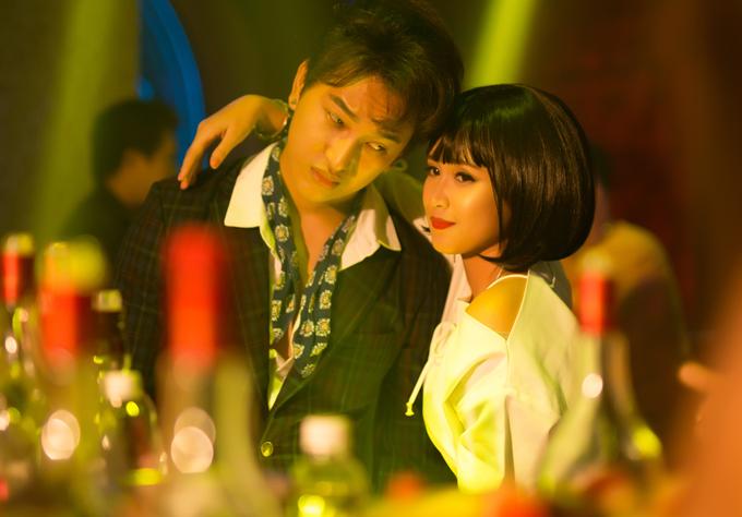 hoang-ky-nam-cap-ke-dien-vien-phuong-hang-trong-phim-ngan-6