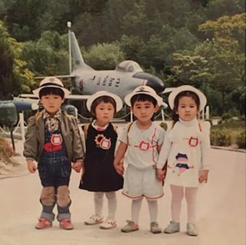 anh-thoi-rang-sun-cua-song-hye-kyo-song-joong-ki-duoc-fan-dao-boi-1