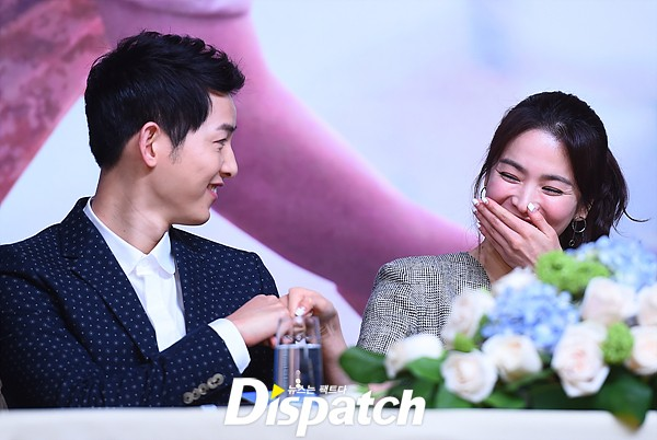 anh-thoi-rang-sun-cua-song-hye-kyo-song-joong-ki-duoc-fan-dao-boi-12