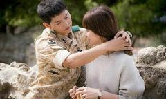 Song Joong Ki khen Song Hye Kyo chu đáo và tốt bụng
