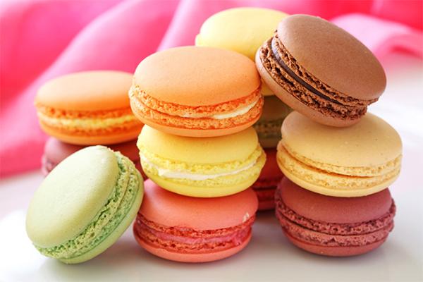 Ăn nhiều đồ ngọt Đường fructose có mặt trong các loại đồ ngọt chế biến sẵn rất khó tiêu hoá, là nguyên nhân khiến bạn bị đầy bụng.