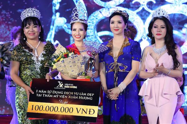 Tân hoa khôi hiện là giám đốc điều hành 2 công ty trong ngành mỹ phẩm và dinh dưỡng đó là: Công ty Trách nhiệm hữu hạn Nhập Khẩu Green Beauty tại Việt Nam và công ty tại Nhật là Alaisevirtu.