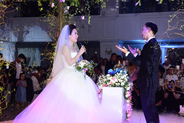 nhung-bo-vay-cuoi-long-lay-va-dat-tien-cua-sao-viet-nua-dau-nam-2017-2