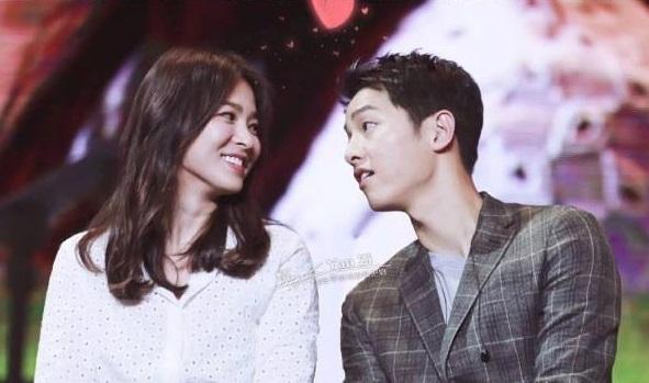 song-joong-ki-cong-bo-lay-song-hye-kyo-fan-quang-hinh-anh-ra-bai-rac-1