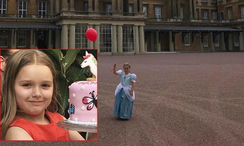 Harper mặc đồ công chúa, đón tuổi mới trong cung điện Buckingham