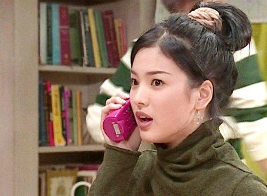 ve-dep-tuoi-35-cua-song-hye-kyo-khien-khan-gia-nguong-mo-1