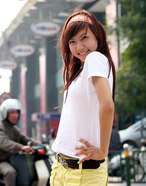 Hạnh Sino nổi tiếng sau khi giành giải Miss Tài năng trong cuộc thi Miss Teen 2008.
