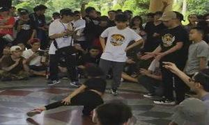 Cô bé nhảy nhạc dance điêu luyện khiến mọi người thích thú