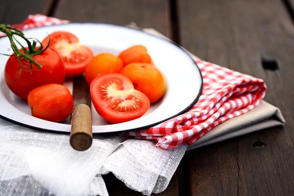 Cà chua nấu chín giúp cơ thể hấp thụ được nhiều chất chống oxy hóa lành mạnh.