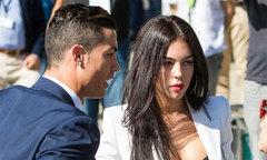 Rộ tin C. Ronaldo sắp làm đám cưới với bạn gái mang bầu