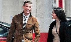 C. Ronaldo hạnh phúc vì người yêu sắp sinh con