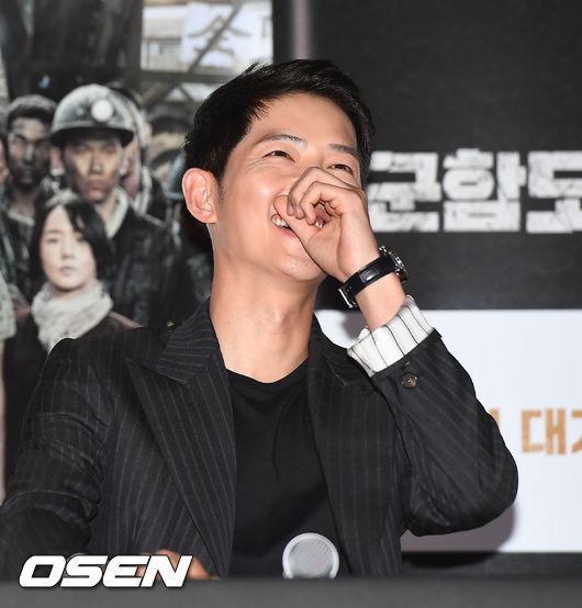 song-joong-ki-tuoi-roi-du-song-hye-kyo-khong-den-ung-ho-phim-moi-4