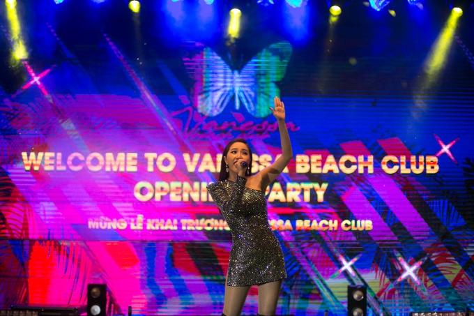 vanessa-beach-club-diem-vui-choi-thu-gian-thu-vi-tren-bai-bien-da-nang-5